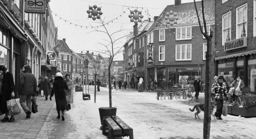 Afbeelding #000 voor het verhaal Winkels in Middelburg Centrum, jaren 70