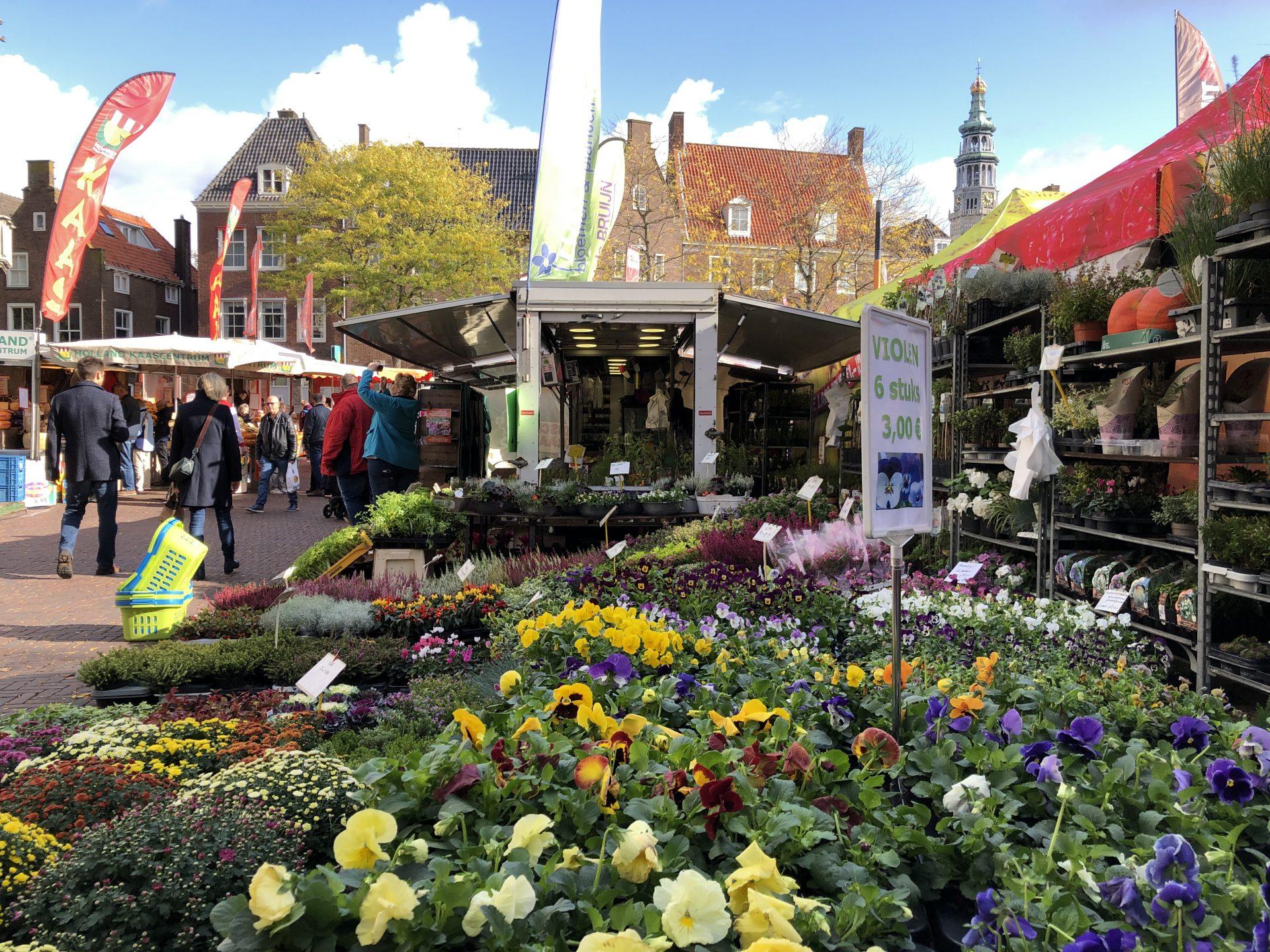 Afbeelding #002 voor het verhaal Zij zijn De Markt! Een kijkje in de kraam van Tuin de Bruijn