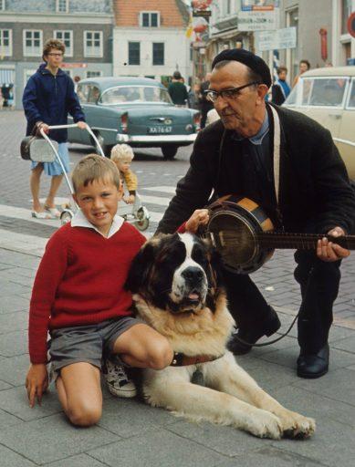 Afbeelding #000 voor het verhaal Zomer in Zeeland, 1967, in 35 kleurenfoto's