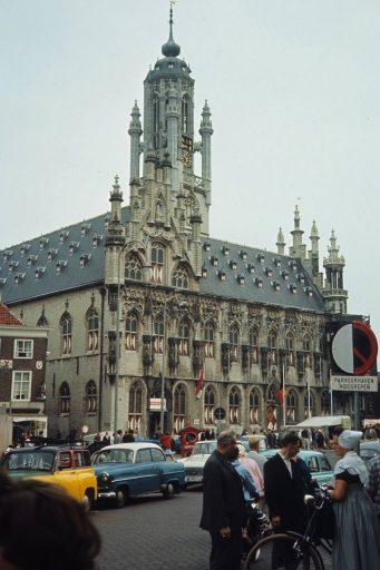 Afbeelding #002 voor het verhaal Zomer in Zeeland, 1967, in 35 kleurenfoto's