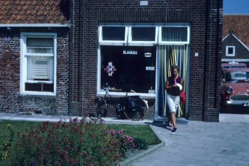 Afbeelding #004 voor het verhaal Zomer in Zeeland, 1967, in 35 kleurenfoto's