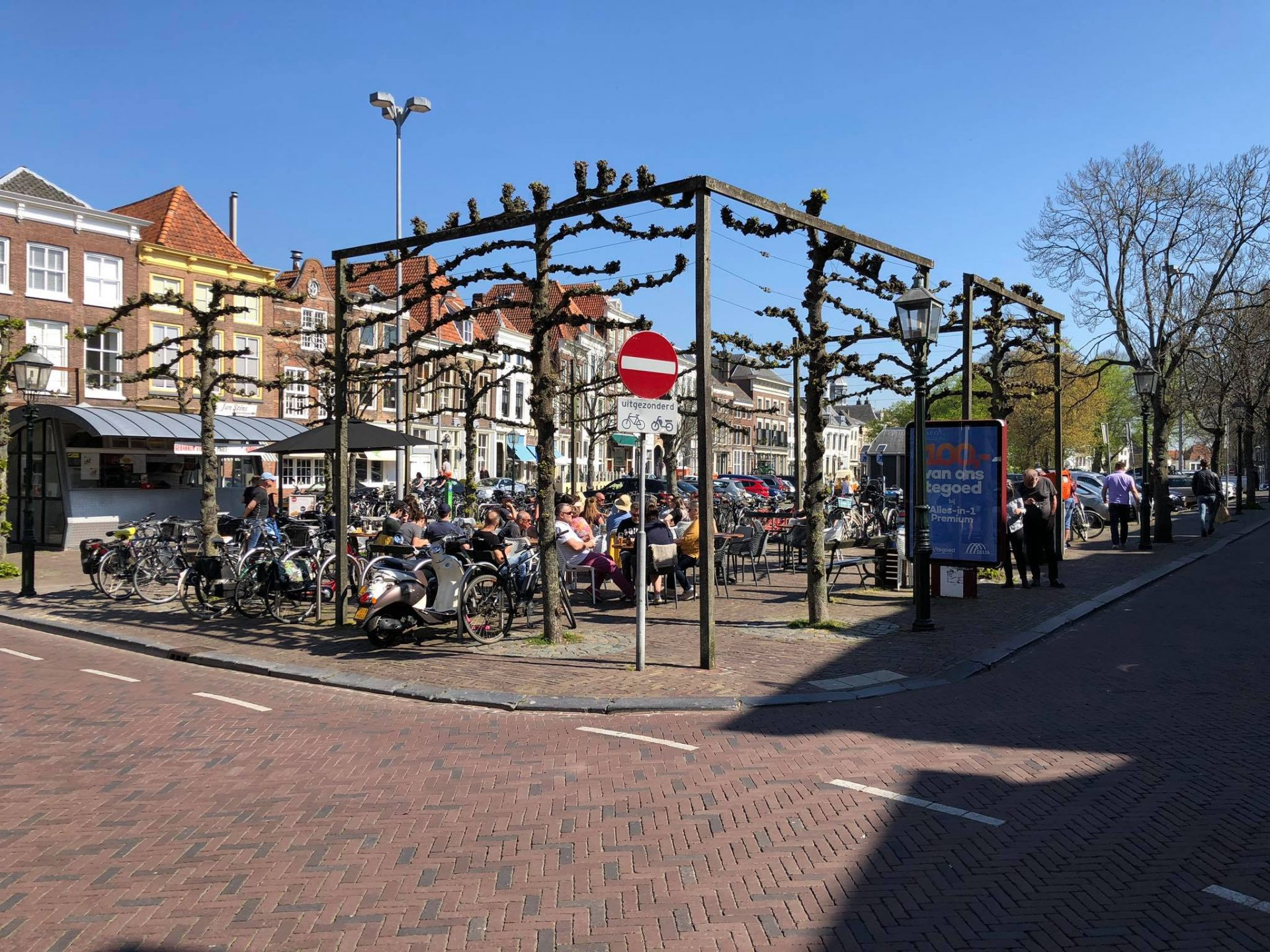 Afbeelding #001 voor het verhaal Zonnige Middelburgse terrassen, 20 april 2019