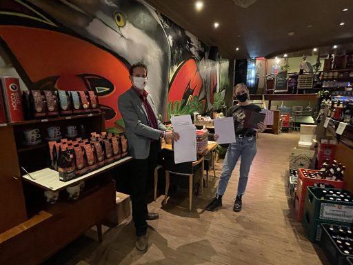 Afbeelding #003 voor het verhaal Lieve brieven voor Jasmijn van Café Bommel in Middelburg