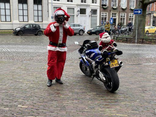 Afbeelding #000 voor het verhaal Het verhaal achter de motorrijdende Kerstman van Middelburg