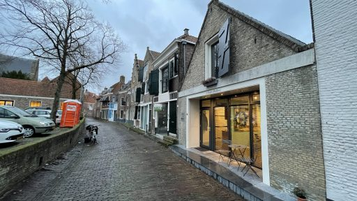 Afbeelding #004 voor het verhaal Gwenny Engels opent kapsalon GWENN. in de Wijngaardstraat, in februari