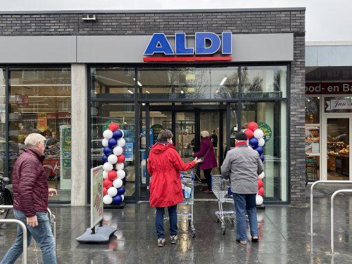 Afbeelding #001 voor het verhaal Uitgebreide en vernieuwde Aldi heropend aan de Euromarkt in Middelburg
