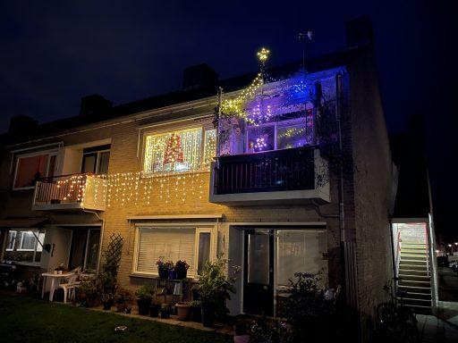 Afbeelding #002 voor het verhaal Hoop, geloof, liefde: de sociale kerstversiering van Jaco Griep