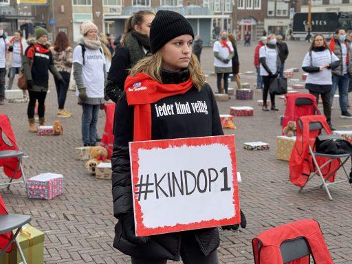 Afbeelding #005 voor het verhaal Medewerkers Intervence staken op de Markt in Middelburg