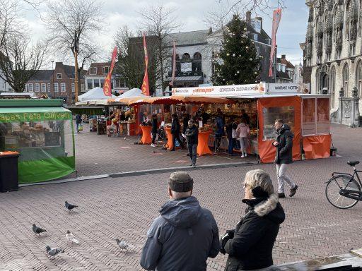Afbeelding #005 voor het verhaal De Mediterraanse specialiteiten van Nazir Ahmed op Weekmarkt Middelburg