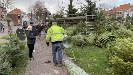 Afbeelding #000 voor het verhaal Piet Vreugdenhil weer gestart met de verkoop van Kerstbomen
