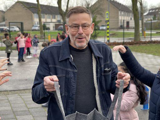 Afbeelding #000 voor het verhaal Sjef Hermans neemt na 44 jaar afscheid van het basisonderwijs