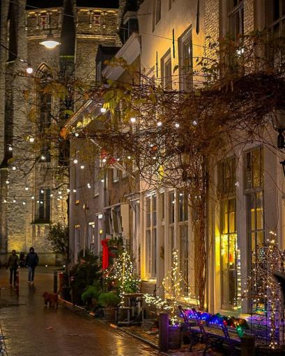 Afbeelding #017 voor het verhaal Luchtige lichtjes in de lange leegte: Middelburg op Instagram, december 2020