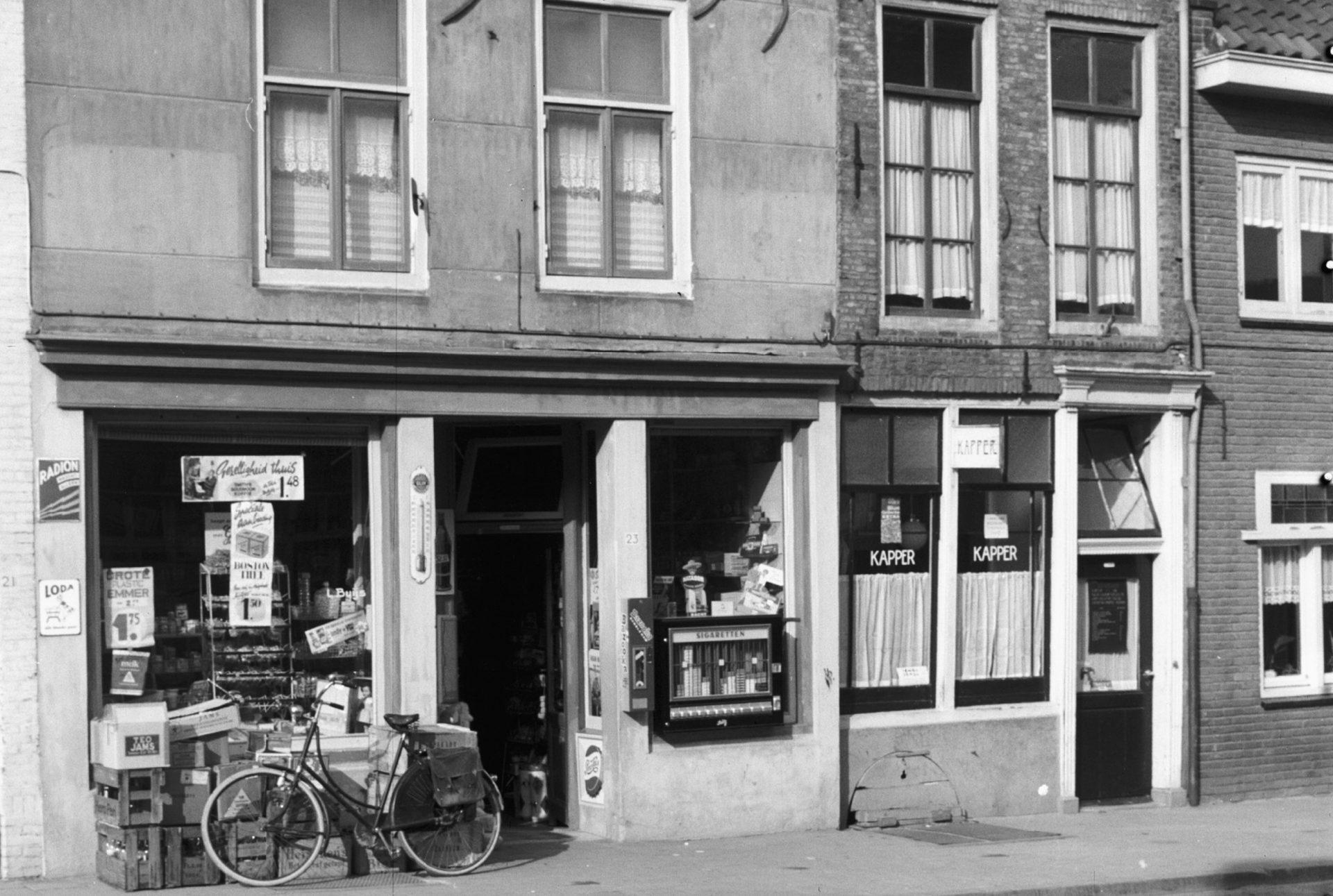 Afbeelding #012 voor het verhaal Middelburg, jaren zestig: de voedingsmarkt en noodwinkel van de familie Raas
