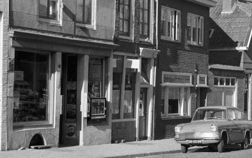 Afbeelding #013 voor het verhaal Middelburg, jaren zestig: de voedingsmarkt en noodwinkel van de familie Raas