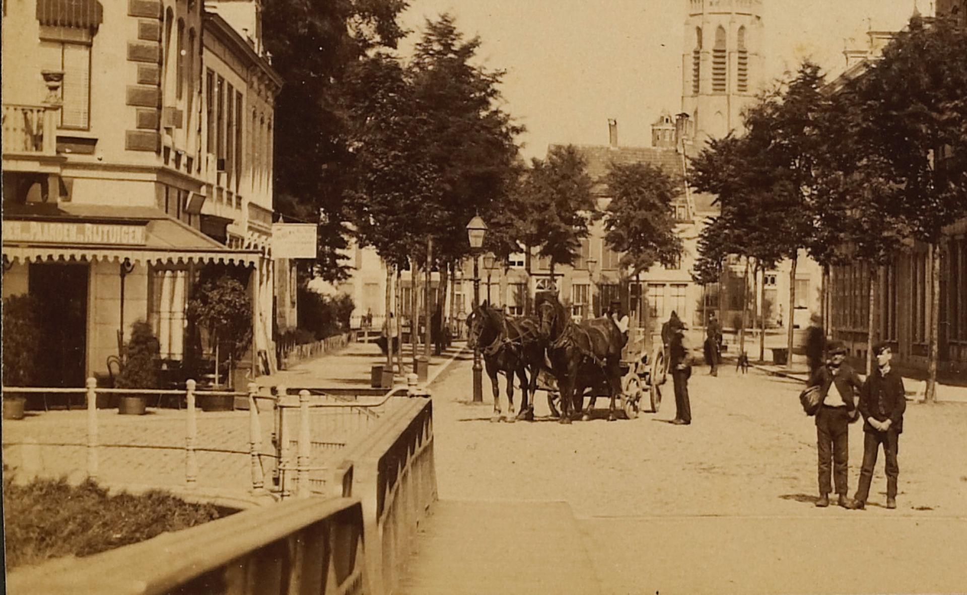 Afbeelding #000 voor het verhaal Café Royal aan de Stationsweg in Middelburg, 1875-1901