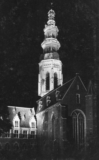 Afbeelding #001 voor het verhaal De Lange Jan in de schijnwerpers, in 1932