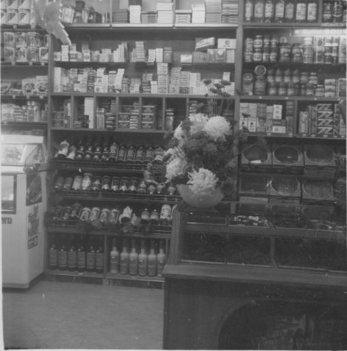 Afbeelding #009 voor het verhaal Middelburg, jaren zestig: de voedingsmarkt en noodwinkel van de familie Raas
