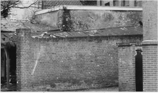 Afbeelding #013 voor het verhaal Over de geschiedenis van Middelburgse urinoirs