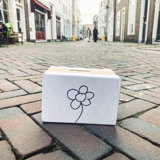 Afbeelding #000 voor het verhaal De Sint Janstraat zet de bloemetjes buiten