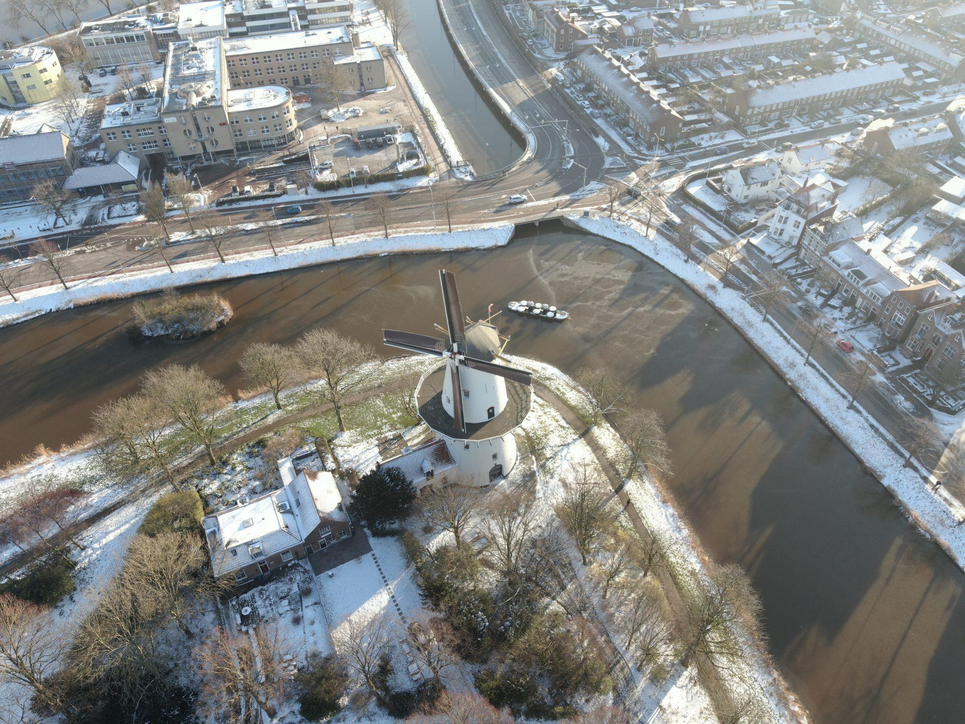 Afbeelding #001 voor het verhaal Ice Flight: Middelburg van boven, 10 februari 2021