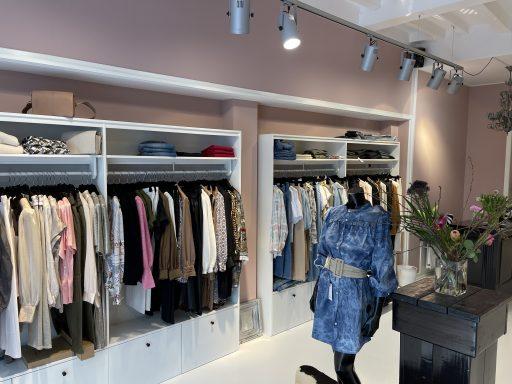 Afbeelding #002 voor het verhaal De online modeshows vanuit het vernieuwde Madam in Middelburg
