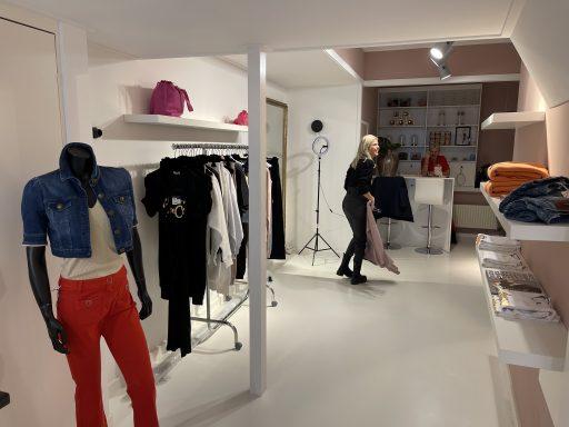 Afbeelding #006 voor het verhaal De online modeshows vanuit het vernieuwde Madam in Middelburg
