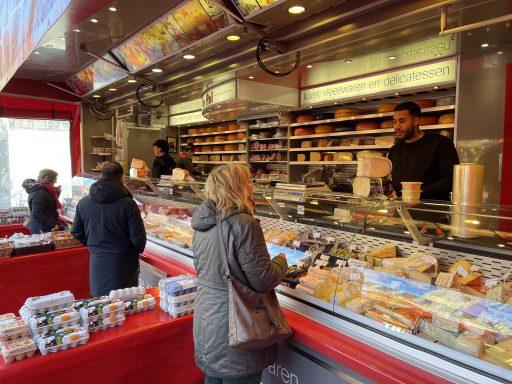 Afbeelding #000 voor het verhaal Buurten bij van der Pol op Weekmarkt Middelburg