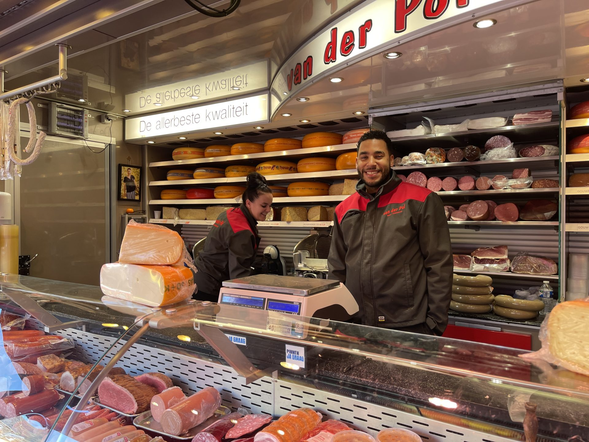 Afbeelding #004 voor het verhaal Buurten bij van der Pol op Weekmarkt Middelburg