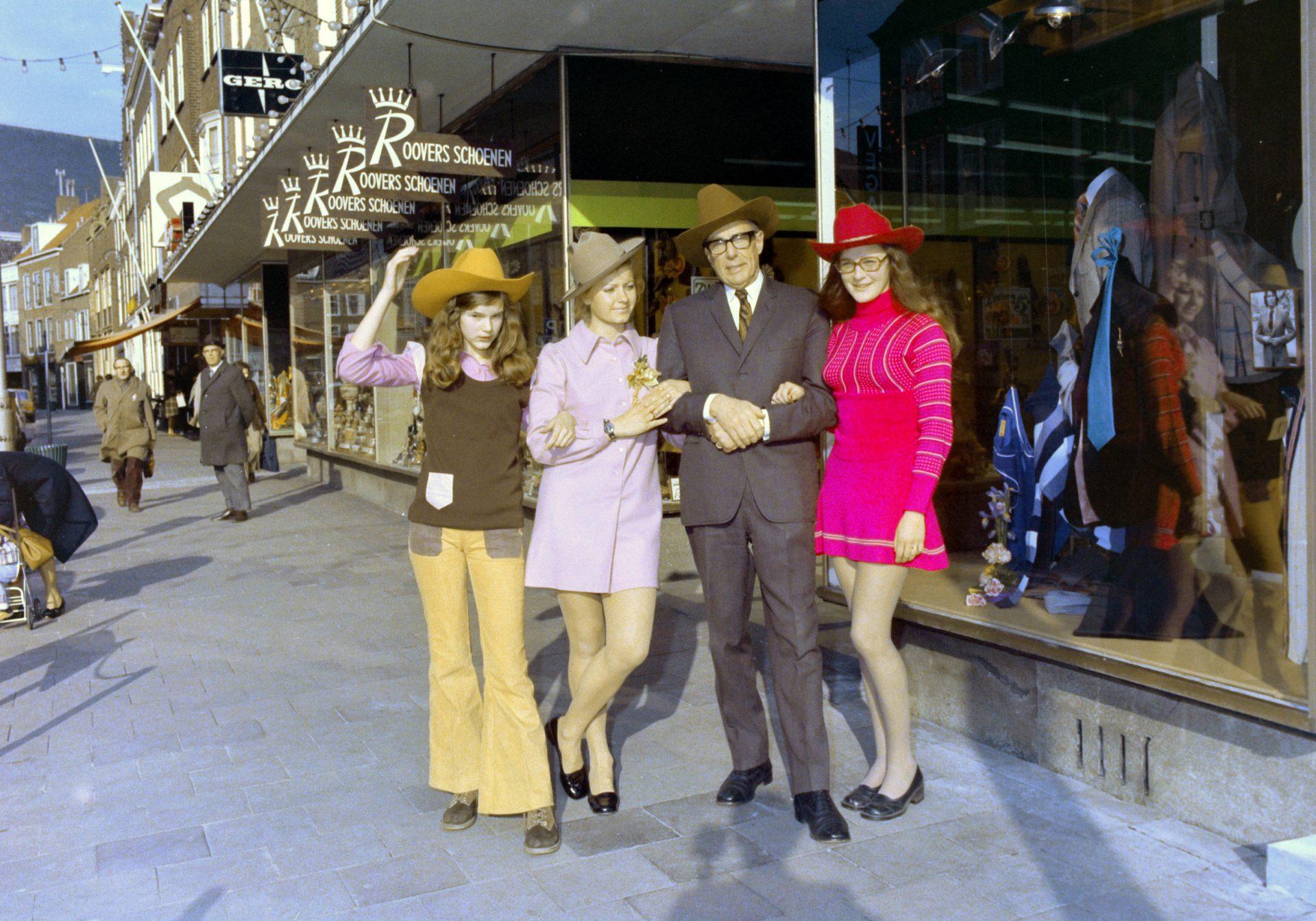 Afbeelding #010 voor het verhaal Een glimp van 65 jaar Peca Herenmode: de heropening in 1973