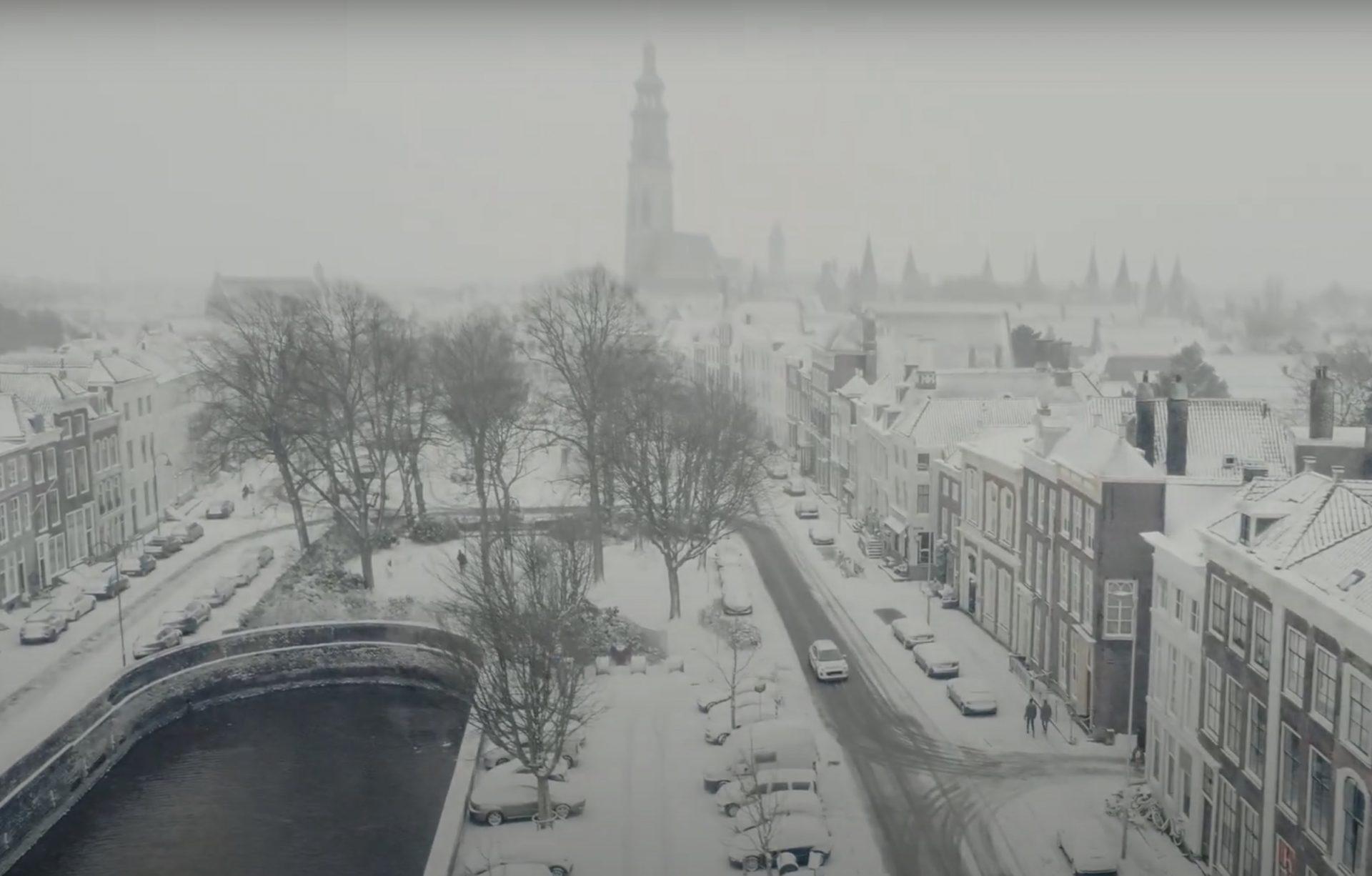 Afbeelding #002 voor het verhaal Middelburg, snow and lockdown: a view from above