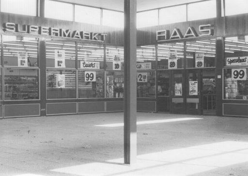 Afbeelding #014 voor het verhaal Middelburg-Zuid, jaren 60: de opening van Winkelcentrum Welsinge en Supermarkt Raas