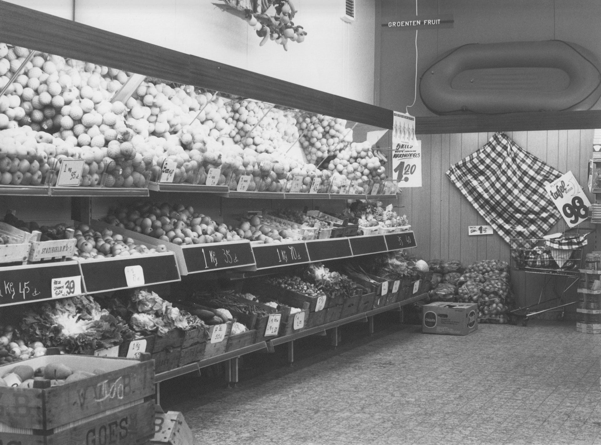 Afbeelding #019 voor het verhaal Middelburg-Zuid, jaren 60: de opening van Winkelcentrum Welsinge en Supermarkt Raas