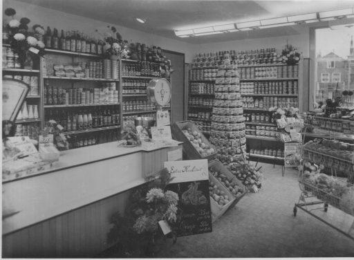 Afbeelding #003 voor het verhaal Middelburgse Winkelgeschiedenis: Groenten- en Fruithandel W. Verstraate in de Langeviele