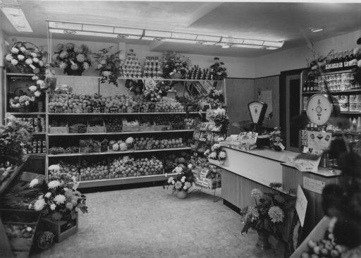Afbeelding #005 voor het verhaal Middelburgse Winkelgeschiedenis: Groenten- en Fruithandel W. Verstraate in de Langeviele