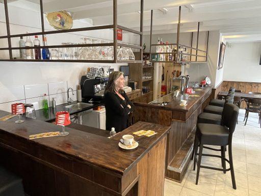 Afbeelding #001 voor het verhaal Café Nummer Vijf in de Herenstraat: klaar voor de opening