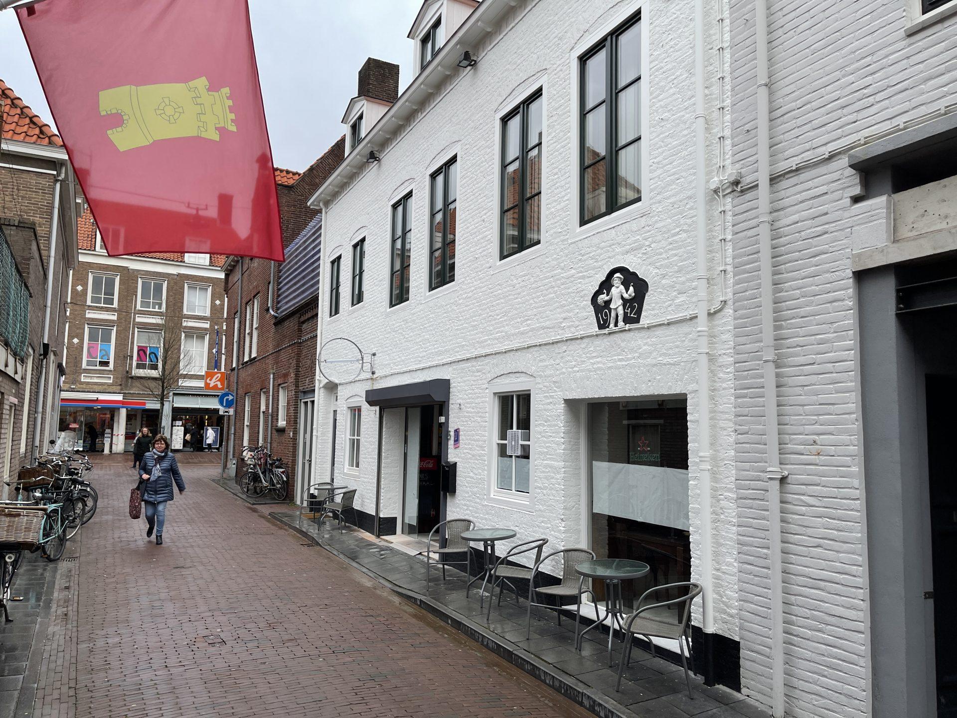 Afbeelding #006 voor het verhaal Café Nummer Vijf in de Herenstraat: klaar voor de opening