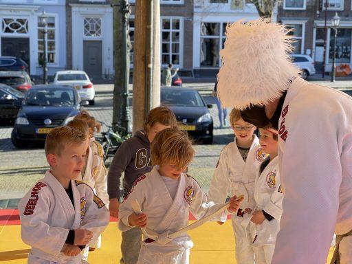 Afbeelding #003 voor het verhaal Van de nood een deugd maken: judo in de Graanbeurs in Middelburg