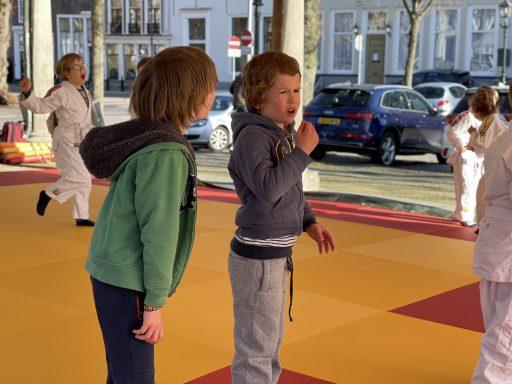 Afbeelding #004 voor het verhaal Van de nood een deugd maken: judo in de Graanbeurs in Middelburg