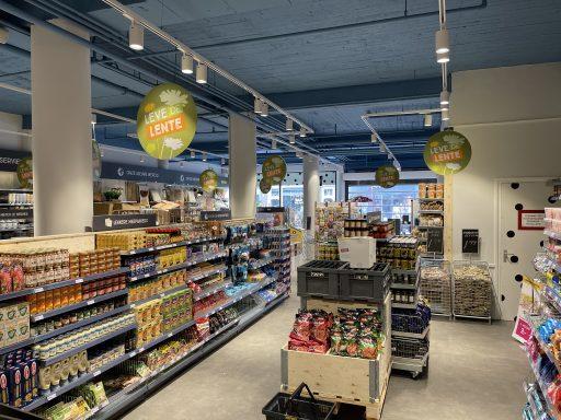 Afbeelding #002 voor het verhaal Klaar voor de start: de nieuwe Xenos in de Lange Delft in Middelburg