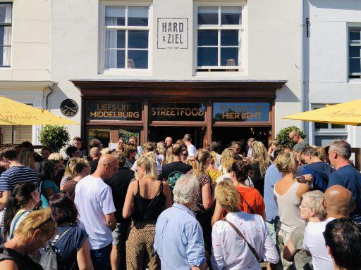 Afbeelding #000 voor het verhaal Hard & Ziel stopt, Roos Espressobar start op de Turfkaai