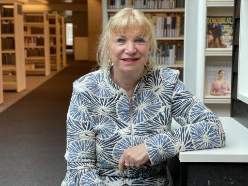 Afbeelding #002 voor het verhaal Muziekbibliothecaris Rea Bensch neemt na 43 jaar afscheid van de ZB