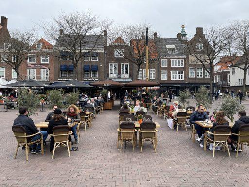 Afbeelding #001 voor het verhaal De Middelburgse terrassen zijn weer open!