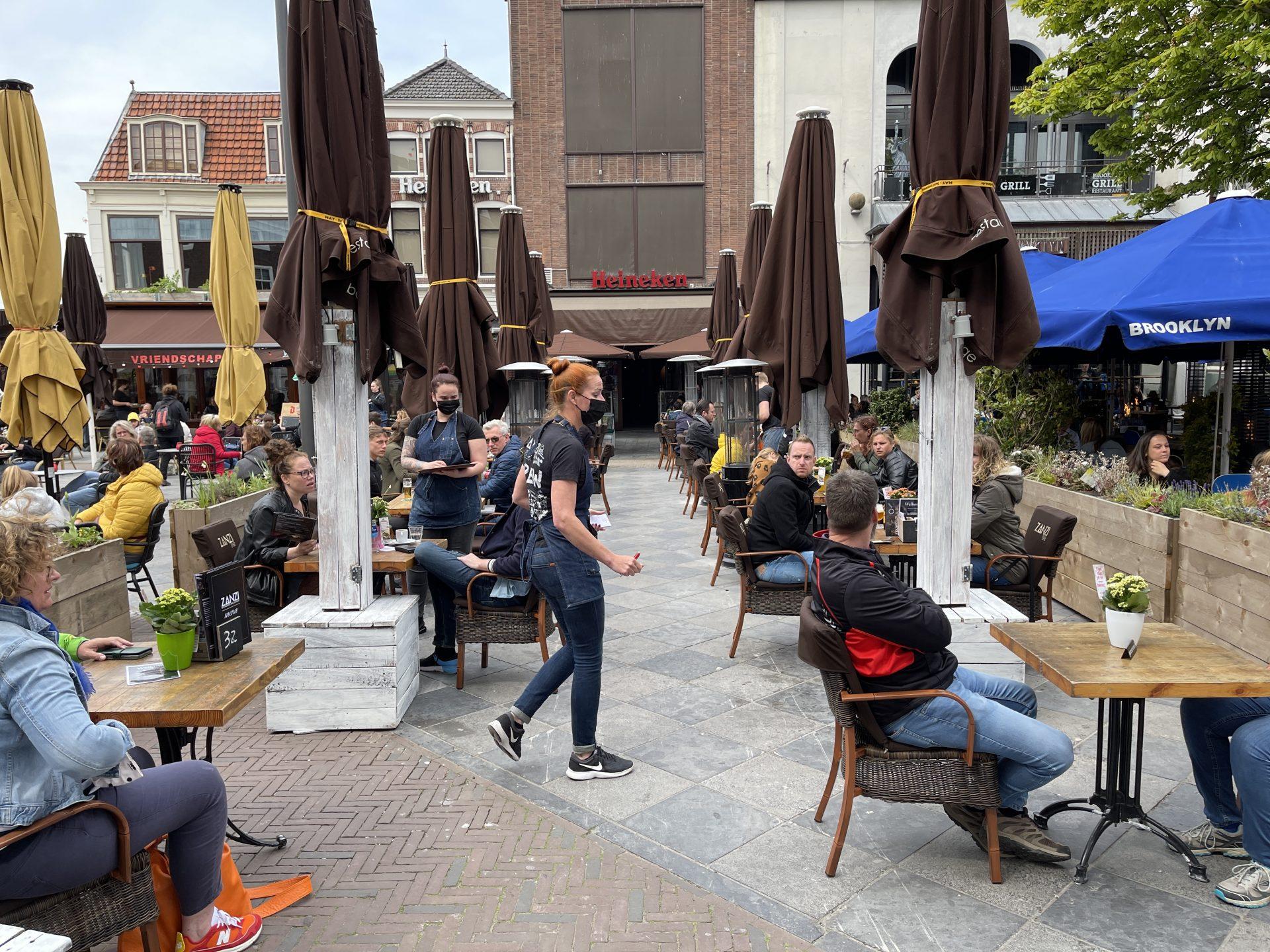 Afbeelding #009 voor het verhaal De Middelburgse terrassen zijn weer open!