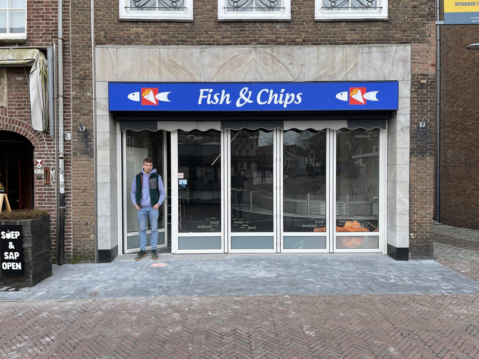 Afbeelding #003 voor het verhaal Kars Wisse over Vis- en Friethandel Middelburg op de Markt