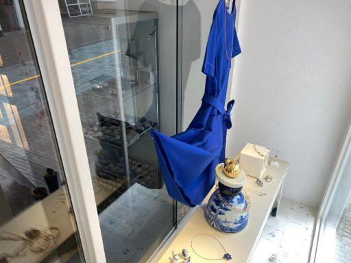 Afbeelding #005 voor het verhaal Een etalage in samenwerking bij juwelier en edelsmid IPPY