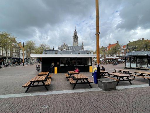 Afbeelding #001 voor het verhaal Friet-Handel Middelburg vanaf vandaag geopend op de Markt