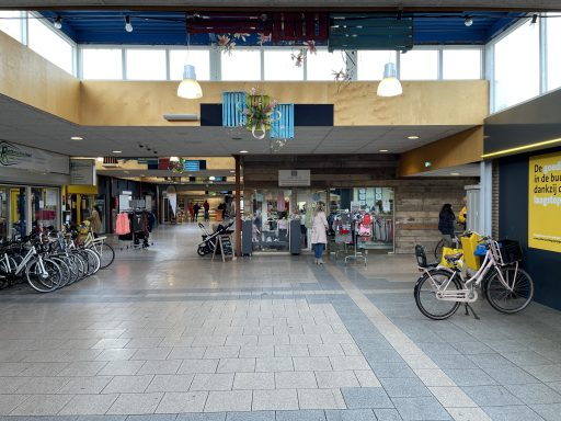 Afbeelding #013 voor het verhaal Gezellig buurten bij Winkel Zus en Zo
