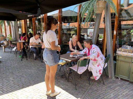 Afbeelding #006 voor het verhaal Reizende Tentoonstelling & culinaire wandeling WE ARE bezoekt Middelburg