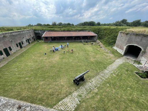Afbeelding #007 voor het verhaal Zomer Sint Jan: een veldloge van La Compagnie Durable in Fort Rammekens