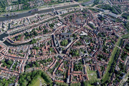 Afbeelding #002 voor het verhaal Middelburg Centrum vanuit de lucht, 20 juni 2021